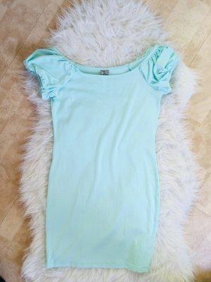 Schönes figurbetontes Kleid