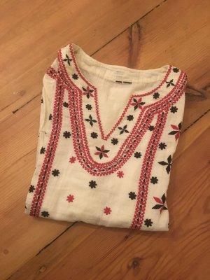 Schönes Folklore Shirt aus Leinen von Mango