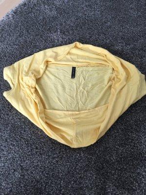 Schönes gelbes Bolerojäckchen/ kurzarm / Amisu / ungetragen