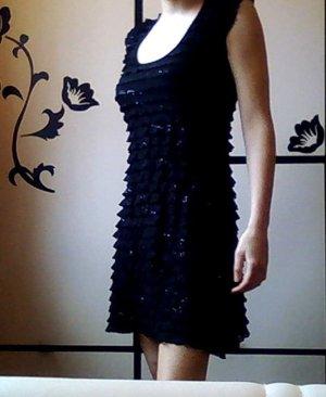 Schönes glitzerndes Kleid