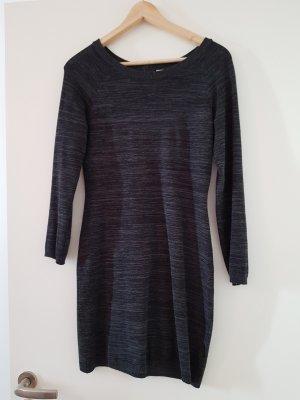 Schönes graues Kleid von Aniston