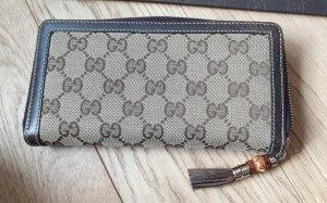 Schönes Gucci Portemonnaie im klassischen GG-Muster in Braun