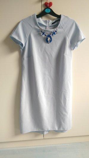 Schönes hellblaues Kleid Neu