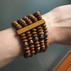 Schönes Holzarmband Handarbeit