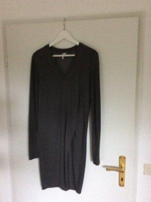 Schönes Jerseykleid für  Herbst/Winter mit seitlicher Falte