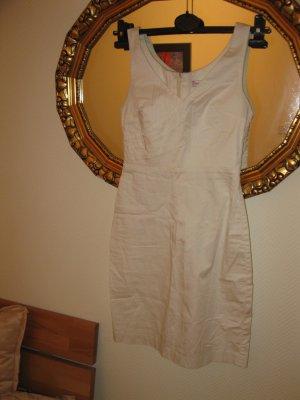Schönes Kleid aus angenehmen Elasthan-Polyamid Mix Material in Elfenbein, D34, S