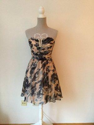 Schönes Kleid aus Chiffon