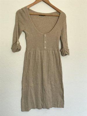 Schönes Kleid beige von Cortefiel