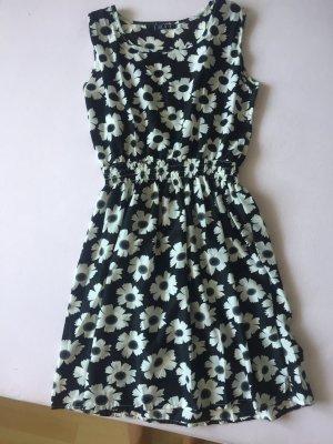 Schönes Kleid Blumen