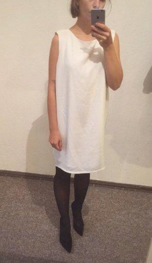 Schönes Kleid Cubus As