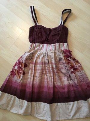 schönes Kleid, das nicht jeder hat