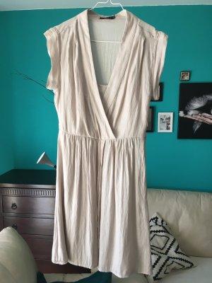 Schönes Kleid der Marke Zero
