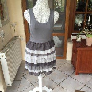 Schönes Kleid für feine Anlässe