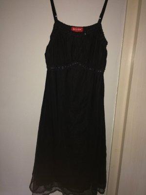 Schönes Kleid für viele Anlässe