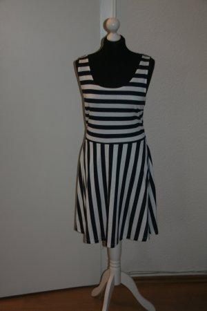 Schönes Kleid H&M mit tollem Rücken