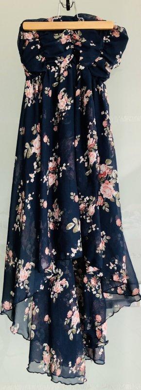 Schönes Kleid in blau mit Blumenmuster