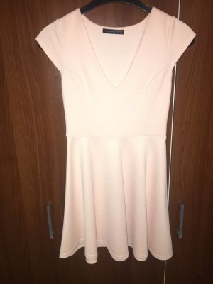 Schönes Kleid in einem zartem rosa