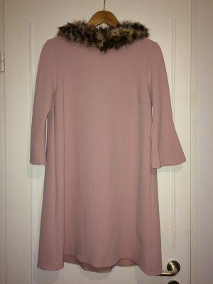 Schönes Kleid in Rose von Rinascimento