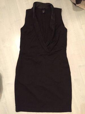 Schönes Kleid in schwarz