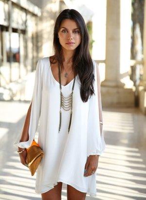 Schönes Kleid in Weiß