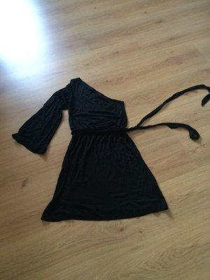 Schönes Kleid mit einem Ärmel