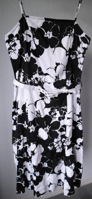 Schönes Kleid mit floralem Muster und Gürtel C&A Größe 38