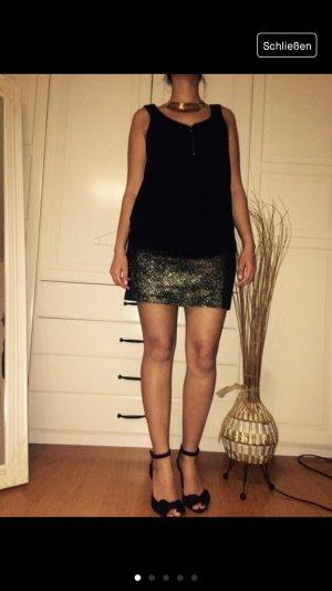 Schönes Kleid mit metallic Look