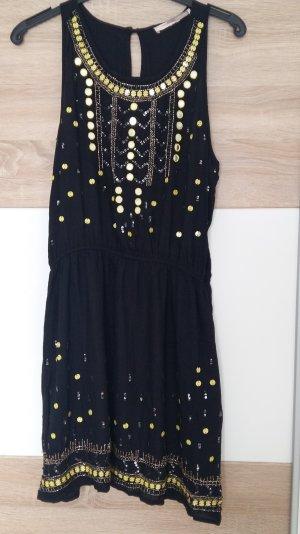 Schönes Kleid mit Pailletten