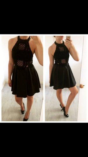 Schönes Kleid mit Spitze Neu