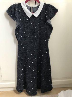 Schönes Kleid Monteau Gr. M grau/weiß neu