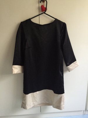 Schönes Kleid schwarz nude