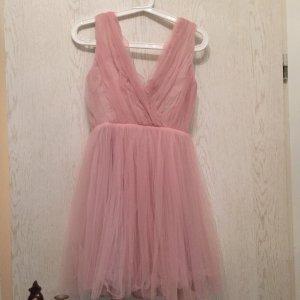 Schönes Kleid - sehr ausgefallen