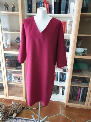 Schönes Kleid Selected Femme Gr. 38 (M) locker geschnitten casual basic beeren Farbe € 79,99