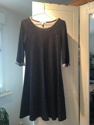 Schönes Kleid von edc