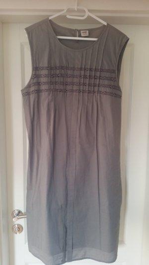 Schönes Kleid von ESPRIT in Gr. 44