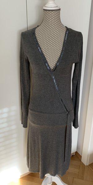 Guess Robe en maille tricotées gris