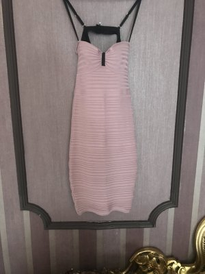 Schönes Kleid von Guess