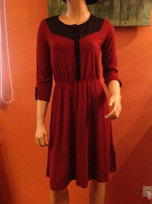 Schönes Kleid von Mint&berry