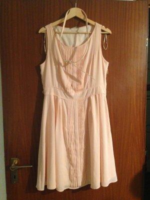 Schönes Kleid von Orsay