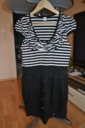 schönes Kleid von Pussy Deluxe