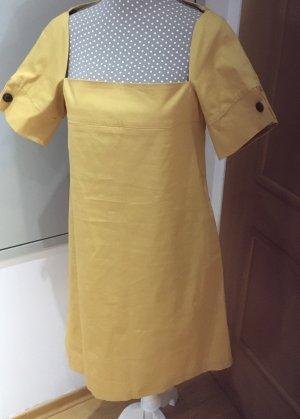 Schönes Kleid von RINASCIMENTO