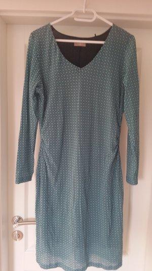 Schönes Kleid von S. Oliver