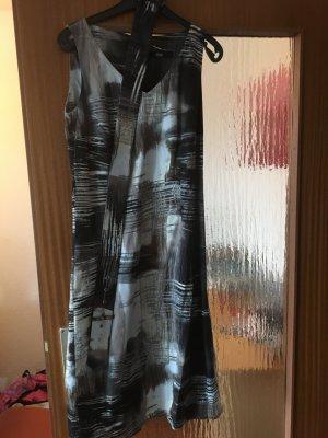 Schönes Kleid von s.Oliver