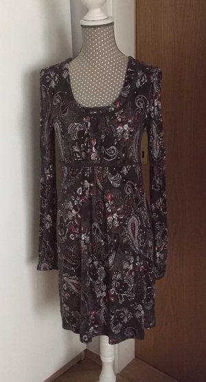 Schönes Kleid von S Oliver