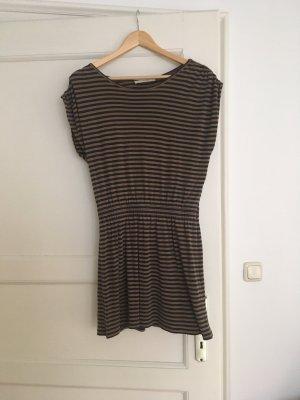Schönes Kleid von Sessùn in M / 38