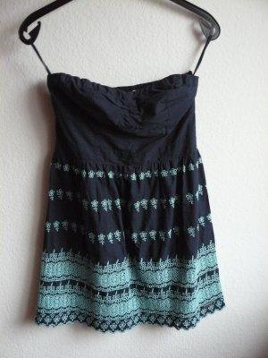 schönes Kleid von Superdry, türkise Stickereien, Herzausschnitt, Größe M