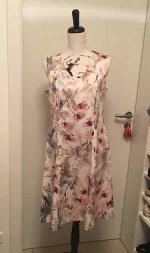 Schönes Kleid von Taifun Gr. 40 NEU