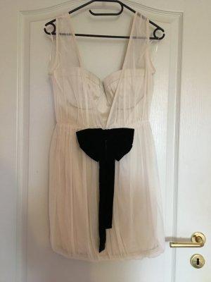schönes Kleid von Topshop mit Schleife