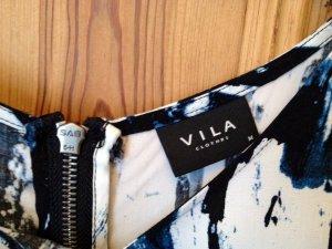 Schönes Kleid von Vila, neu, mit Musterprint in Blautönen Gr.M