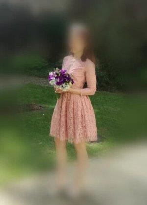 Asos Petite Vestido de encaje rosa